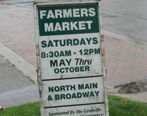 photo of sign for Saturday Farmer's Market in Granville Ohio